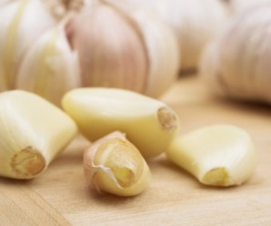 How to use garlic against a vaginal infection