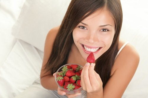 eating-strawberry for vaginal health